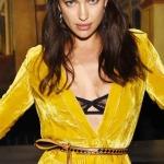 Ирина Шейк стала звездой показа Bottega Veneta