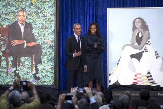 Пользователи соцсетей неоднозначно восприняли официальные портреты Барака и Мишель Обамы, представленные накануне в Национальной портретной галерее в Вашингтоне в США
