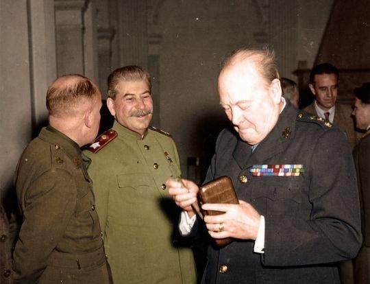 Журнал Time от 4 января 1943 года: Сталин по-прежнему мог опереться на потрясающую волю русского народа к борьбе.