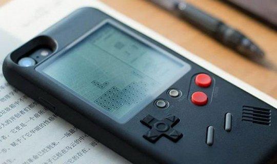 Чехол Wanle Gamers для iPhone – прекрасная попытка тряхнуть стариной на радость любителям классических игр.