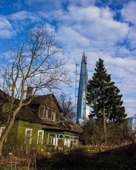 Более половины всех национальных богатств страны принадлежат 1% самых богатых россиян.