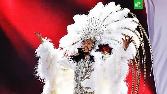"""Король эстрады расстроен до слез: на гастролях в городе Ковров, злоумышленники похитили дорогие сценические костюмы """"звезды""""."""