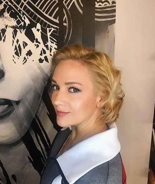 Татьяна Буланова в 90-е стала известна благодаря хиту «Спи мой мальчик маленький» и ему подобным.