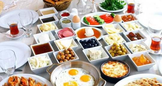 Одна из главных составляющих правильного питания — полноценный завтрак.