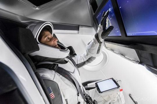 Астронавт NASA Суннита Уильямс, которой довелось провести в космосе 322 дня, в течение последних трёх лет сотрудничала со SpaceX и Boeing