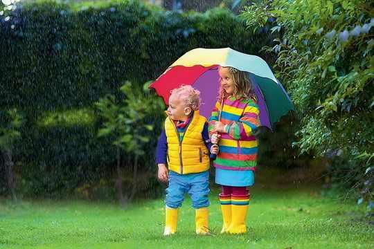 Всё зависит от перепада температур в дождевых облаках.