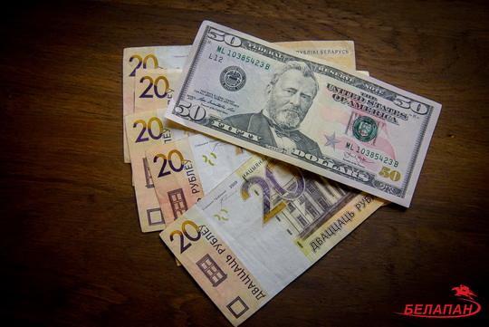 Задолженность населения по потребительским кредитам увеличилась за январь-май на 17,7% до рекордных 3 млрд 542,5 млн рублей, свидетельствуют статданные Национального банка.