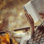 Вредно ли читать лежа?