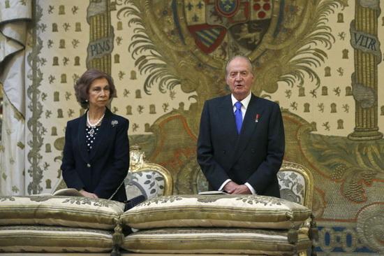 Хуан Карлос I де Бурбон и София Греческая, родители принца Фелипе. / Фото: www.zimbio.com