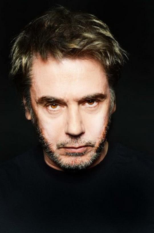 24 августа 1948 года родился Жан-Мишель Жарр (фр. Jean-Michel Jarre, Лион) — французский композитор, мультиинструменталист, один из пионеров электронной музыки.