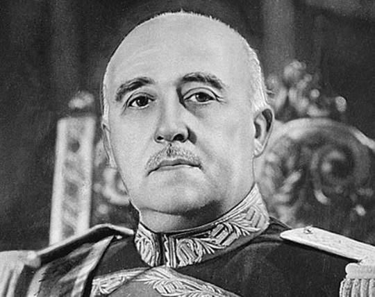 Еще на ранних этапах правления Франко было понятно, что он отдаст власть