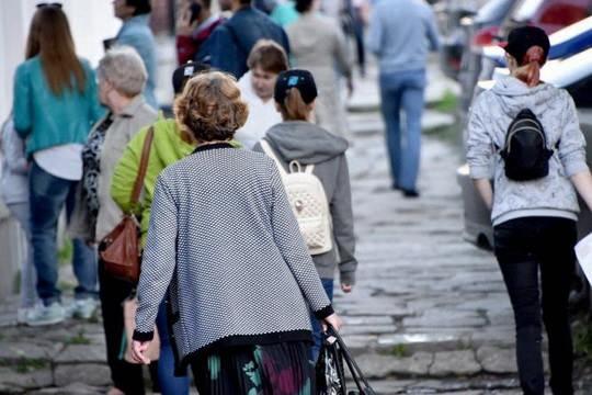 Население России за первое полугодие 2018 года сократилось на 88,7 тыс. человек.