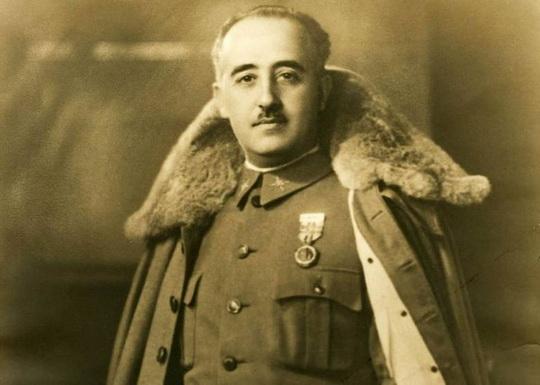 Диктатор Франко восстановил монархию, зная, что она будет демократической