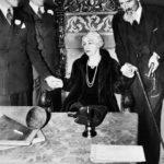Каким образом Гарри Гудини разоблачал шарлатанов даже после смерти?