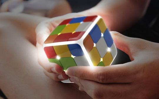 Классическая головоломка прошлого столетия – кубика Рубика, обрела цифровую копию или продолжение.