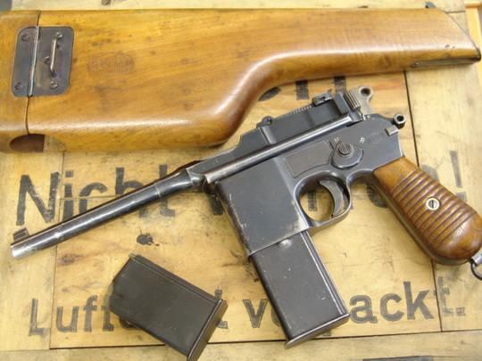 Пистолет системы Маузера (С-96) оставил яркий след в истории огнестрельного оружия и массовой культуре, являясь при этом прежде всего очень удачным образцом коммерческого оружия.