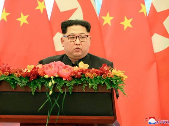 Лидер КНДР Ким Чен Ын посетил военный парад в Пхеньяне по случаю 70-й годовщины образования страны