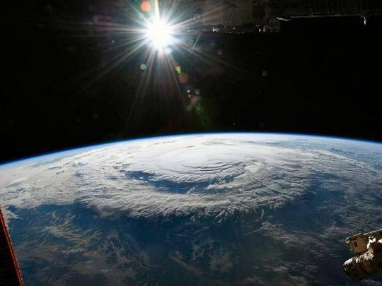 """Тропический шторм """"Флоренс"""", обрушившийся на Восточное побережье США, ослаб до категории тропической депрессии."""