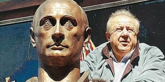 Известный архитектор Зураб Церетели намерен заняться новой скульптурой - на этот раз скульптор хотел бы поработать над памятником президенту РФ Владимиру Путину.