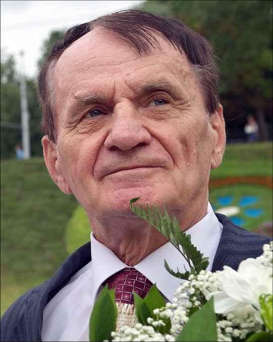 В августе Лученку исполнилось 80 лет. В начале ноября он перенес инсульт.