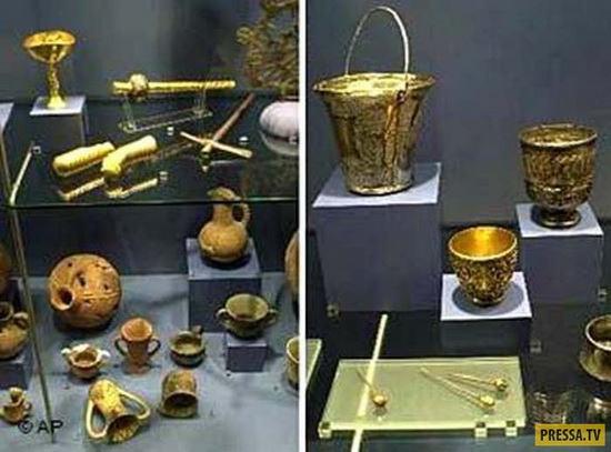 На выставке троянских сокровищ в Бонне