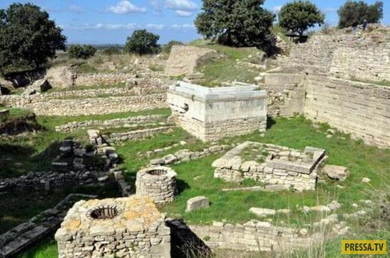 Раскопки на холме Гиссарлык