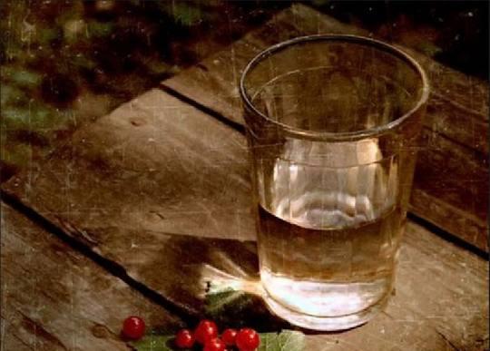 11 сентября 1943 года был выпущен первый гранёный стакан советского образца…