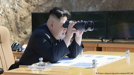 По данным исследователей в США, Пхеньян содержит до 20 подземных баз с ракетами, которые могут быть оборудованы ядерными боеголовками.