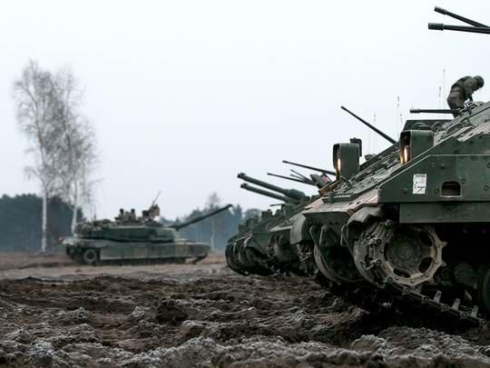 Соединенные Штаты продолжают вести консультации с союзниками по НАТО и оценивать необходимость создания своей военной базы в Польше.