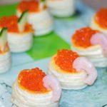 Бочонки с красной икрой: закуска для новогоднего стола