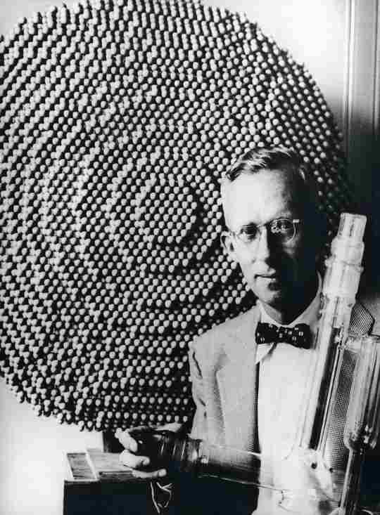 Немецкий физик Эрвин Мюллер