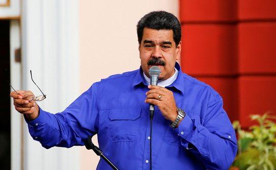 Президент Венесуэлы Николас Мадуро, находящийся с визитом в России, предложил Москве производить расчеты в нефтяной сфере в национальной криптовалюте Petro.