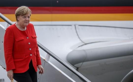 Канцлер Германии Ангела Меркель полетела на саммит G20 в Буэнос-Айресе обычным рейсом.