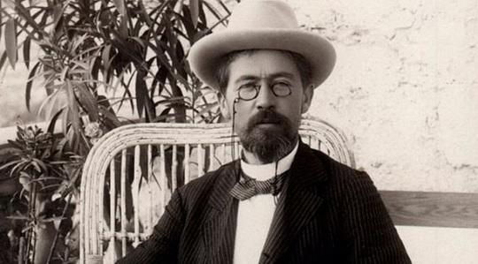 Антон Чехов, писатель с образованием врача, создал более 300 произведений.