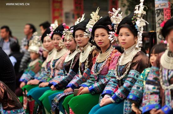 Женщины мяо (Китай, Азия)2
