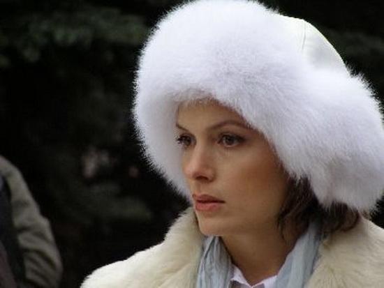 В мелодраме «Моя мама – Снегурочка» главную роль сыграла Мария Порошина, которая превращается из бизнес-леди в сказочную героиню