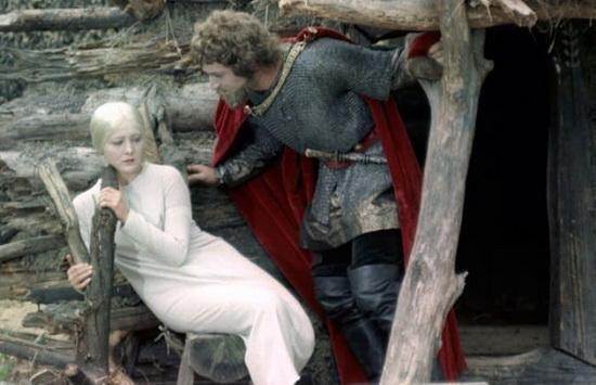 Одной из первых в отечественном кино в 1968 г. образ Снегурочки воплотила на экранах Евгения Филонова – одна из самых красивых советских актрис.