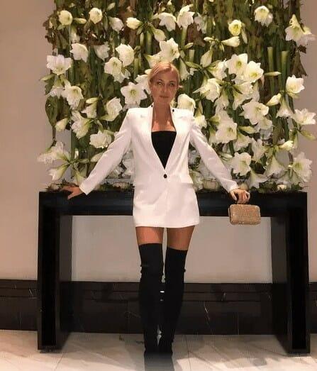 Узнают блондинку лишь те, кто активно следил за ее жизнью.