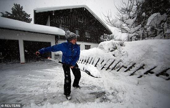 Обильные снегопады накрыли и Германию