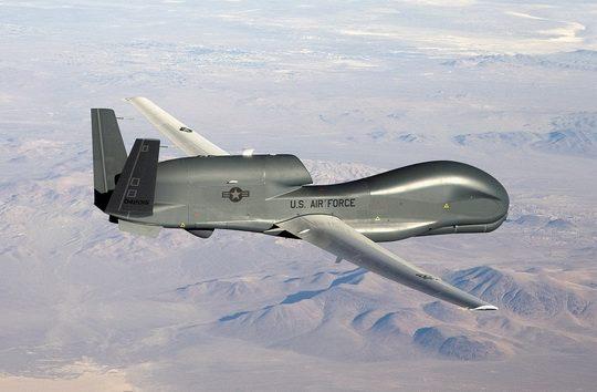 Стратегический беспилотный летательный аппарат ВВС США RQ-4B Global Hawk в понедельник осуществил многочасовой разведывательный полет вдоль Черноморского побережья России