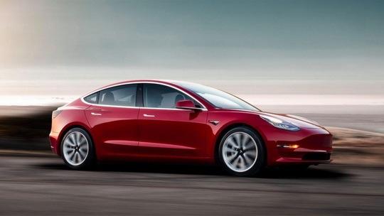 Возглавляемая Илоном Маском компания Tesla обязалась подарить электрокар Model 3 исследователю в сфере кибербезопасности