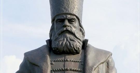 Михаил Воротынский, раз за разом отбивавший набеги крымских татар и героически взявший Казань, стал прославленным полководцем.