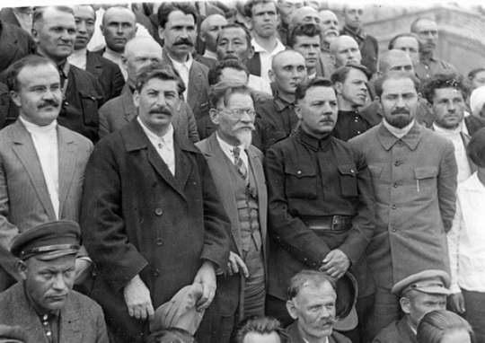 «История большевизма в России» написана во Франции и впервые издана в Париже в 1922 году. Это одно из самых полных исследований российского феномена большевизма — с 1883 года до 1917-го.