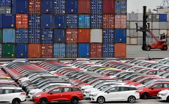 Если Вашингтон введет заградительные пошлины на импорт автомобилей из стран ЕС, Брюссель примет незамедлительные ответные меры.