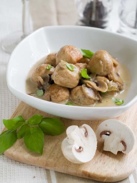 Тефтели, одно из блюд, ставшее повседневным для многих домохозяек