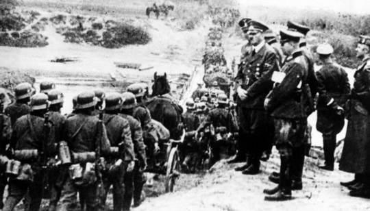 Более двух тысяч человек получают пожизненные пенсии, гарантированные фюрером Третьего рейха Адольфом Гитлером за сотрудничество с нацистами.