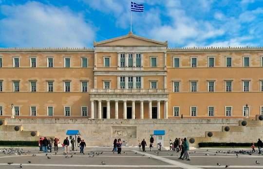 Греция настаивает на обсуждении темы требования репараций от ФРГ за преступления, совершенные немецкими оккупантами на территории страны в годы Второй мировой войны.