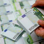 Россия заняла самую крупную сумму в долларах с 2013 года