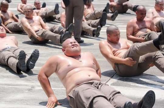 В Таиланде считают, что главный враг полицейского - избыточный вес.