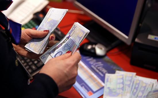 Ранее о том, что Минфин 21 марта начнет размещение евробондов, сообщали источники РБК на банковском рынке.